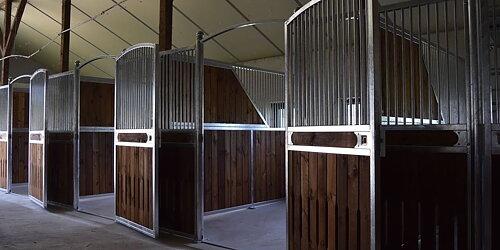 När fick din häst en ny hästbox senast? Bläddra bland tiotals boxmodeller