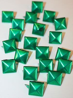 PUNKNITAR - gröna 12 mm