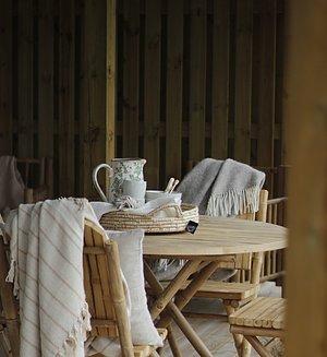 UTEMÖBLER  I klassisk bambu