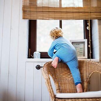 Barnsäkra fönster – hur skapar man en barnsäker miljö? Läs mer >>>