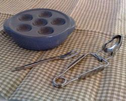 Snigeltallrik  snigelfat, tång och gaffel i samma paket, spara 29 :-