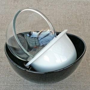 Serveringsskå glas och porslin
