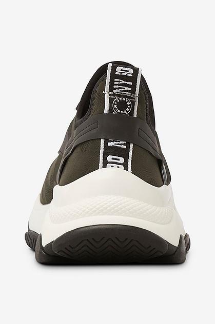 Match Sneaker