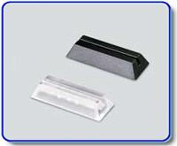 Etiketthållare 18 mm med rak slits, svart