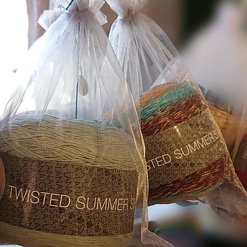 Twisted Summer Shades NU: 206 kr