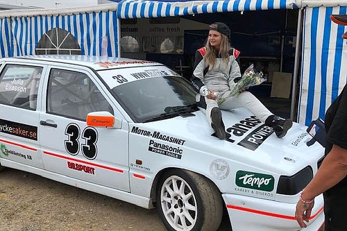Julia Eliasson Racing Vi Supportar Julia Eliasson  19 År www.sskserien.se; www.VolvoCupen.se